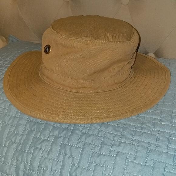 f16d84d57e0 Magellan bucket hat with secret money storage.